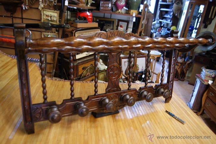 Antiguo perchero rustico en madera tallado vendido en - Percheros de madera rusticos ...