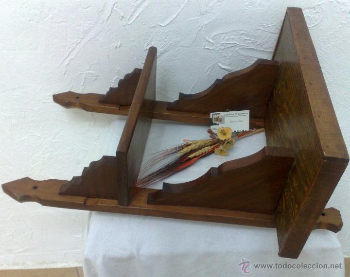 Antigua telefonera o repisa en madera comprar muebles for Muebles auxiliares clasicos madera