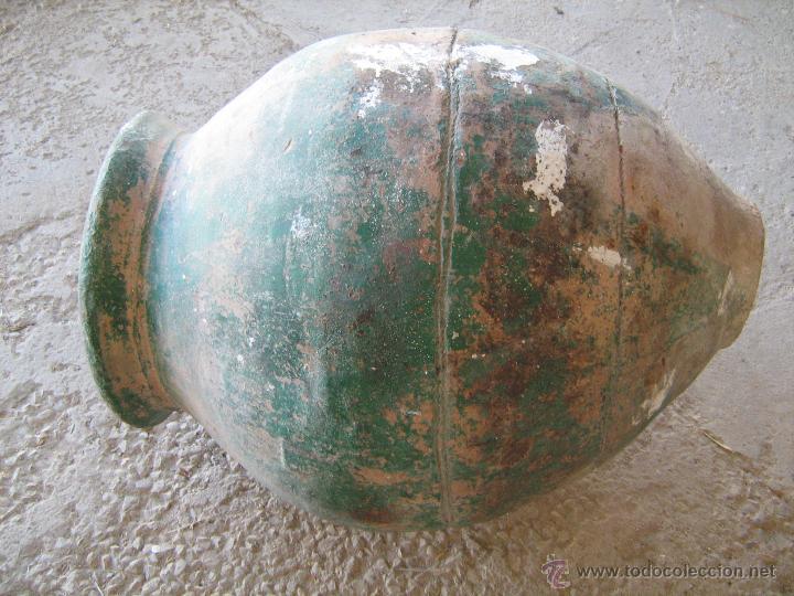 ANTIGUA Y GRAN TINAJA DE BARRO ANTIGUA PINTADA DE VERDE, POCO CULO - MEDIDA 75 X 39 CM. (Antigüedades - Técnicas - Rústicas - Utensilios del Hogar)