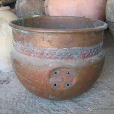 Antigüedades: EXPECTACULAR RECIPIE DE COBRE ANTIGUO CONSERVA DECORACIÓN Y PINTURA ORIGINAL - ALTURA 63 CM. BOCA 55. Lote 40664206