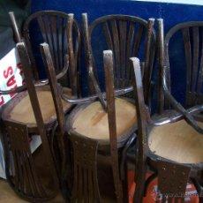 Antigüedades: JUEGO DE 6 SILLAS MUY ANTIGUAS DE BARBERIA O CAFETERIA PARA RESTAURAR. Lote 40673710