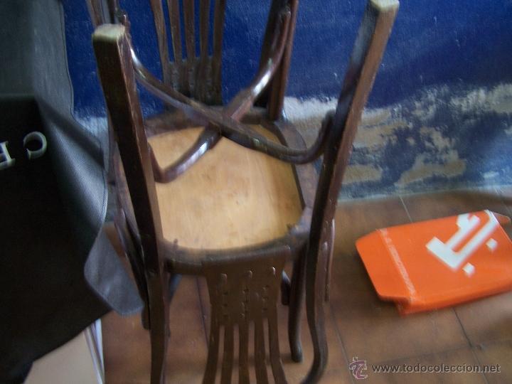 Antigüedades: Juego de 6 sillas muy antiguas de barberia o cafeteria para restaurar - Foto 3 - 40673710