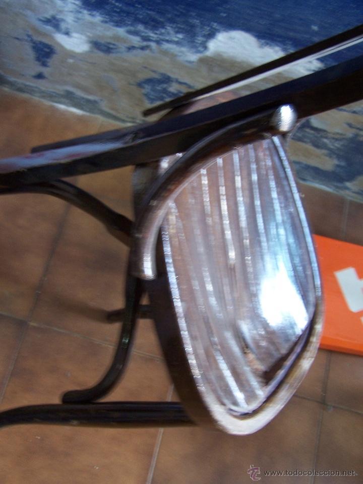 Antigüedades: Juego de 6 sillas muy antiguas de barberia o cafeteria para restaurar - Foto 8 - 40673710