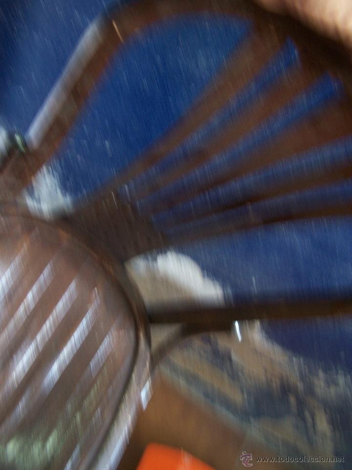Antigüedades: Juego de 6 sillas muy antiguas de barberia o cafeteria para restaurar - Foto 9 - 40673710