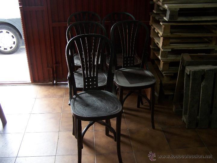 Antigüedades: Juego de 6 sillas muy antiguas de barberia o cafeteria para restaurar - Foto 11 - 40673710