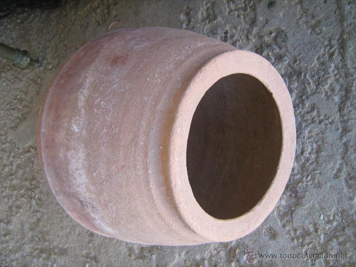 Antigüedades: Pequeña tinaja de barro medida 50 x 30 cm. - Foto 2 - 40688741