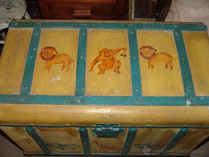Antigüedades: GRACIOSO BAUL DE MADERA PINTADO - Foto 2 - 40715180