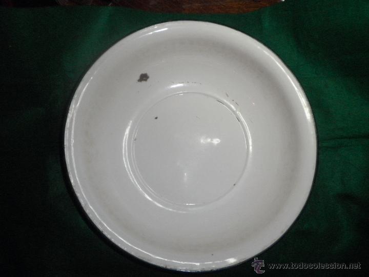 ANTIGUA PALANGANA DE HIERRO ESMALTADO 44 CM. (Antigüedades - Porcelanas y Cerámicas - Otras)