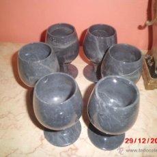 Antigüedades: JUEGO DE 6 COPAS DE MARMOL NEGRO VETEADO. . Lote 40773099