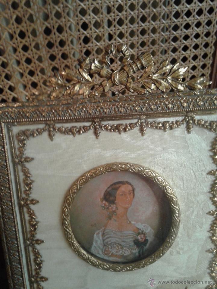 Antigüedades: PEQUEÑO MARCO FRANCES IMPERIO.BRONCE ORMALU Y SEDA.MINIATURA PINTURA DAMA - Foto 3 - 40793998