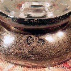 Antigüedades: PEQUEÑO FLORERO. CRISTAL Y POSIBLE ALPACA…? SELLOS. VIOLETERO. Lote 40802242