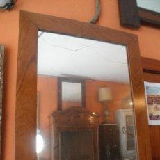 Antigüedades: ÁNTIGUO ESPEJO DE NOGAL. Lote 40831706