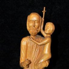 Antigüedades: IMAGEN RELIGIOSA EN MADERA TALLADA FIRMADA CON INICIALES JV. Lote 40877755