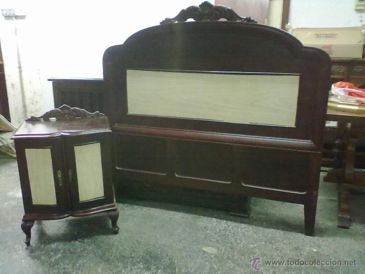 CABECERO DE CAMA Y MESILLA DE NOCHE DE ROBLE PARA RESTAURAR (Antigüedades - Muebles Antiguos - Camas Antiguas)
