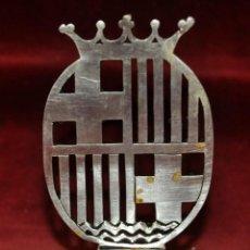 Antigüedades: ESCUDO PROCESIONAL DE LA BASILICA DE SANTA MARÍA DEL MAR DE BARCELONA DE PRINCIPIOS DEL SIGLO XX. Lote 40894651