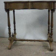 Antigüedades: CONSOLA ISABELINA SIGLO 19.MADERA DE NOGAL.MEDIDA 98X56 ALTURA 90 CM. Lote 40938287