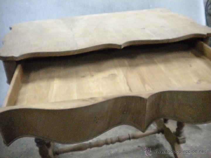 Antigüedades: consola isabelina siglo 19.madera de nogal.medida 98X56 altura 90 cm - Foto 3 - 40938287
