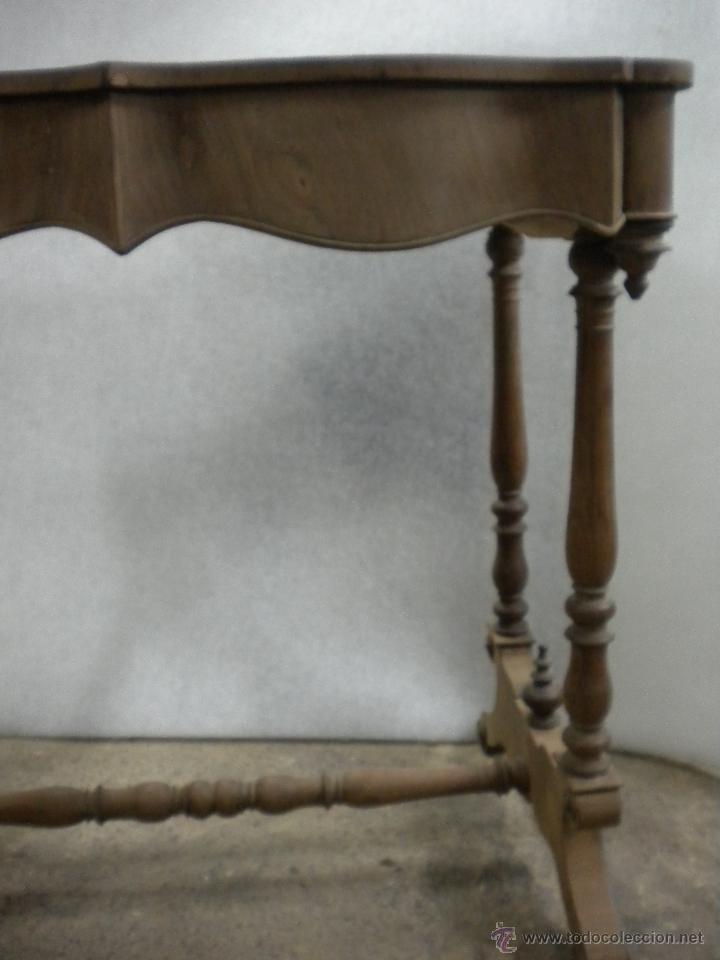 Antigüedades: consola isabelina siglo 19.madera de nogal.medida 98X56 altura 90 cm - Foto 4 - 40938287