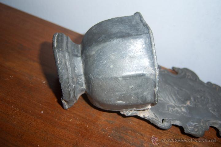 Antigüedades: Benditera de estaño SXVIII - Foto 5 - 40940842
