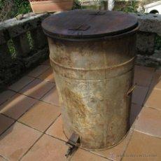 Antigüedades: BIDÓN CON TAPA DE MADERA. Lote 40945441