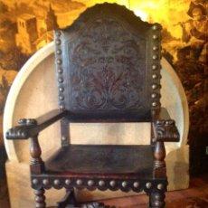 Antigüedades: DOS SILLONES FRAILERO DE MADERA CUERO TACHAS DE BRONCE SIGLO LUIS XIII. Lote 40965056