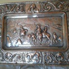 Antigüedades: PRECIOSA BANDEJA DE COBRE PLATEADO.EL QUIJOTE. CERVANTES. IDEAL DECORACIÓN Y COLECCIONISTAS. Lote 163568389
