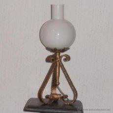 Antigüedades - LAMPARA DE MESA DE HIERRO - 41014203