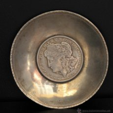 Antigüedades: MONEDA PLATA UN DOLAR MONTADA EN CENICERO PLATA. Lote 41017929