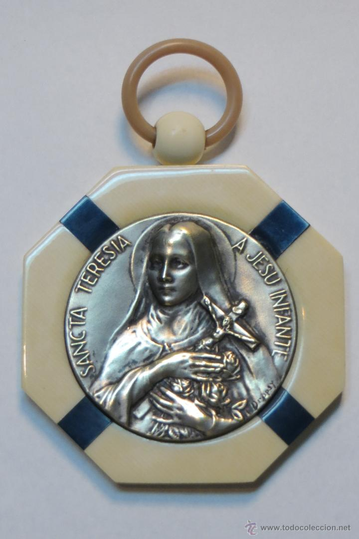 antigua medalla de cuna con marco de baquelita - Comprar Medallas ...