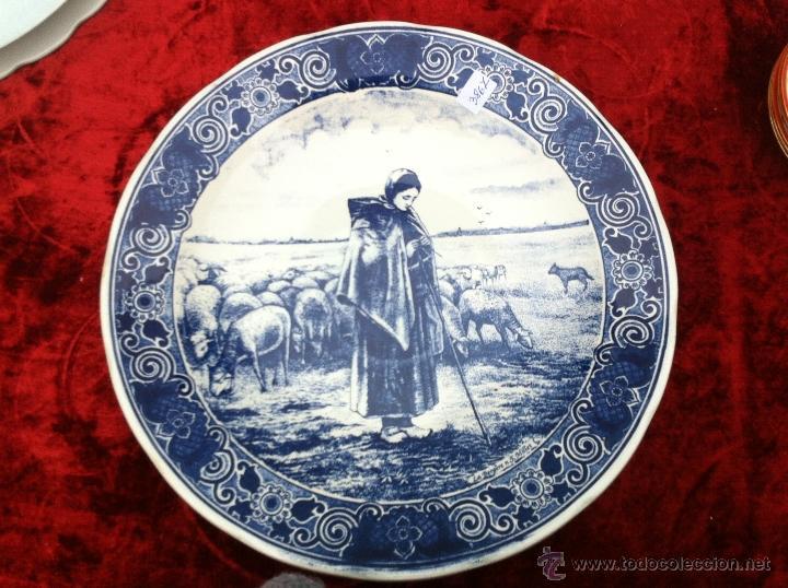 PLATO ANTIGUO EN SEMIPORCELANA DE DELFT SELLADO (Antigüedades - Porcelana y Cerámica - Holandesa - Delft)
