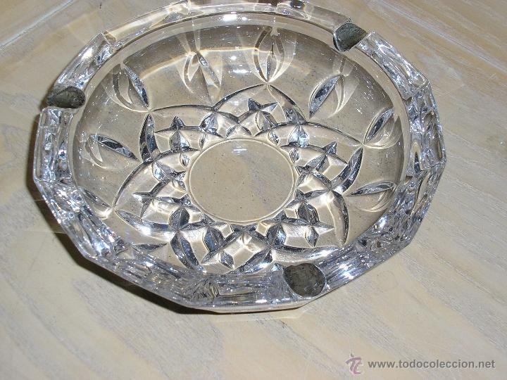 CENICERO DE CRISTAL TALLADO CON ADORNOS DE PLATA (Antigüedades - Cristal y Vidrio - Otros)