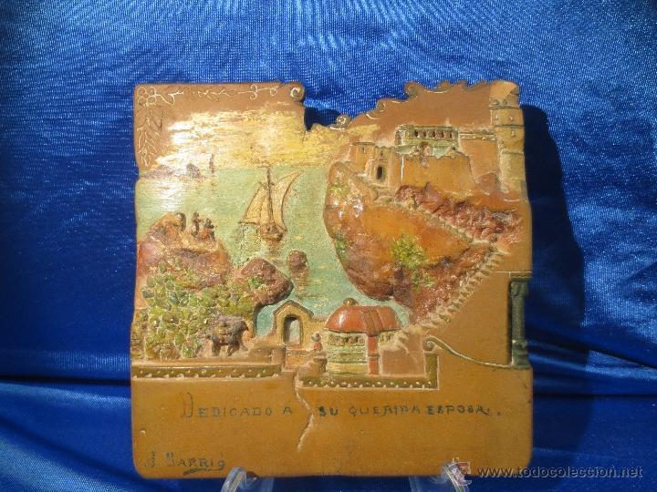 AZULEJO BAJORRELIEVE DEDICADO Y FIRMADO (Antigüedades - Porcelanas y Cerámicas - Otras)
