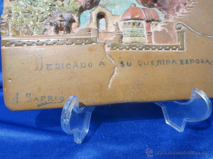 Antigüedades: AZULEJO BAJORRELIEVE DEDICADO Y FIRMADO - Foto 2 - 41088414