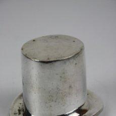 Antigüedades: ABRIDOR DE BOTELLAS EN FORMA DE CHISTERA, EN METAL PLATEADO, S. XX. Lote 41115435