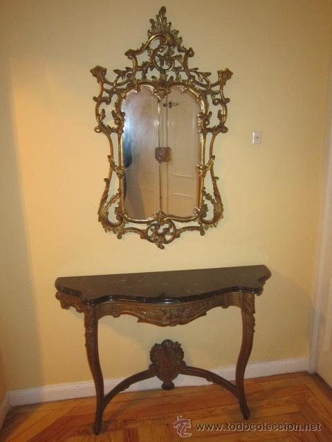 Consola realizada en madera tallada con tapa de comprar for Consolas antiguas muebles