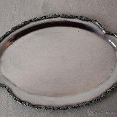 Antigüedades: BANDEJA OVALADA EN PLATA DE LEY CONTRASTADA. 350 GRAMOS. 27 X 19 CM. VER FOTOS Y DESCRIPCION. Lote 41134049