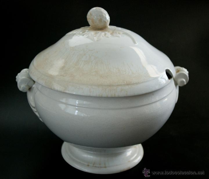 GRAN SOPERA DE SAN JUAN DE AZNALFARACHE - SEVILLA - SELLOS EN LA BASE - S. XIX (Antigüedades - Porcelanas y Cerámicas - San Juan de Aznalfarache)