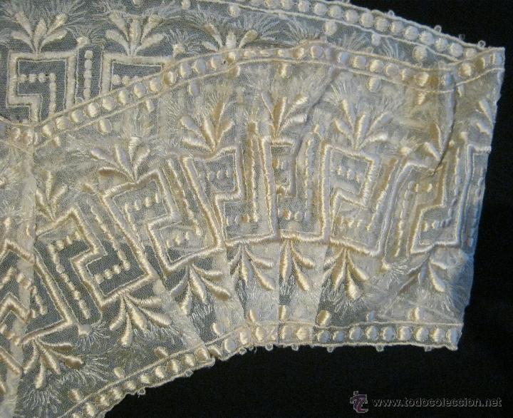 Antigüedades: ANTIGUA PIEZA PARTE DE UNA FALDA-ENCAJE BORDADO CON HILO DE SEDA S. XIX - Foto 2 - 41723168