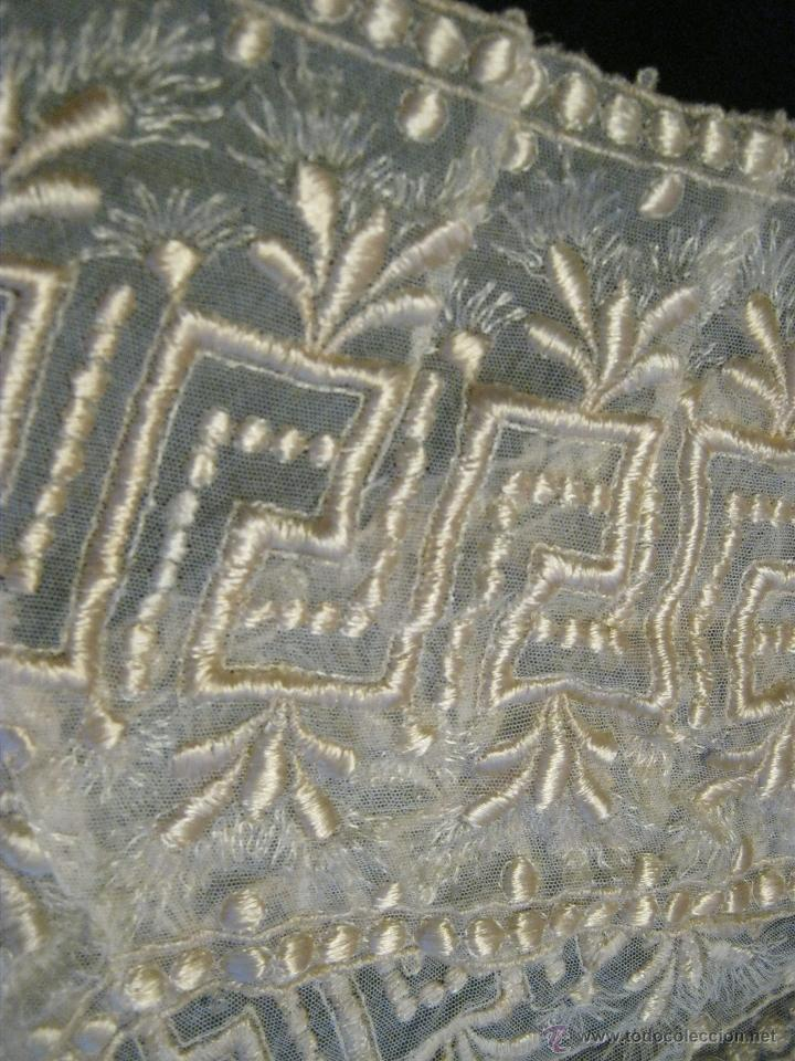 Antigüedades: ANTIGUA PIEZA PARTE DE UNA FALDA-ENCAJE BORDADO CON HILO DE SEDA S. XIX - Foto 4 - 41723168