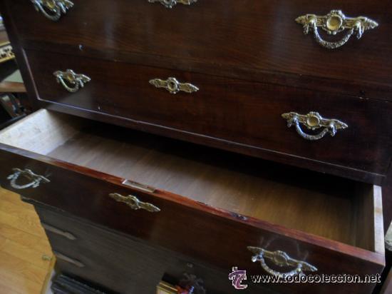 Antigüedades: COMODA ESTILO IMPERIO CHAPEADA EN CAOBA PRINCIPIOS DE SIGLO XX - Foto 4 - 41215174