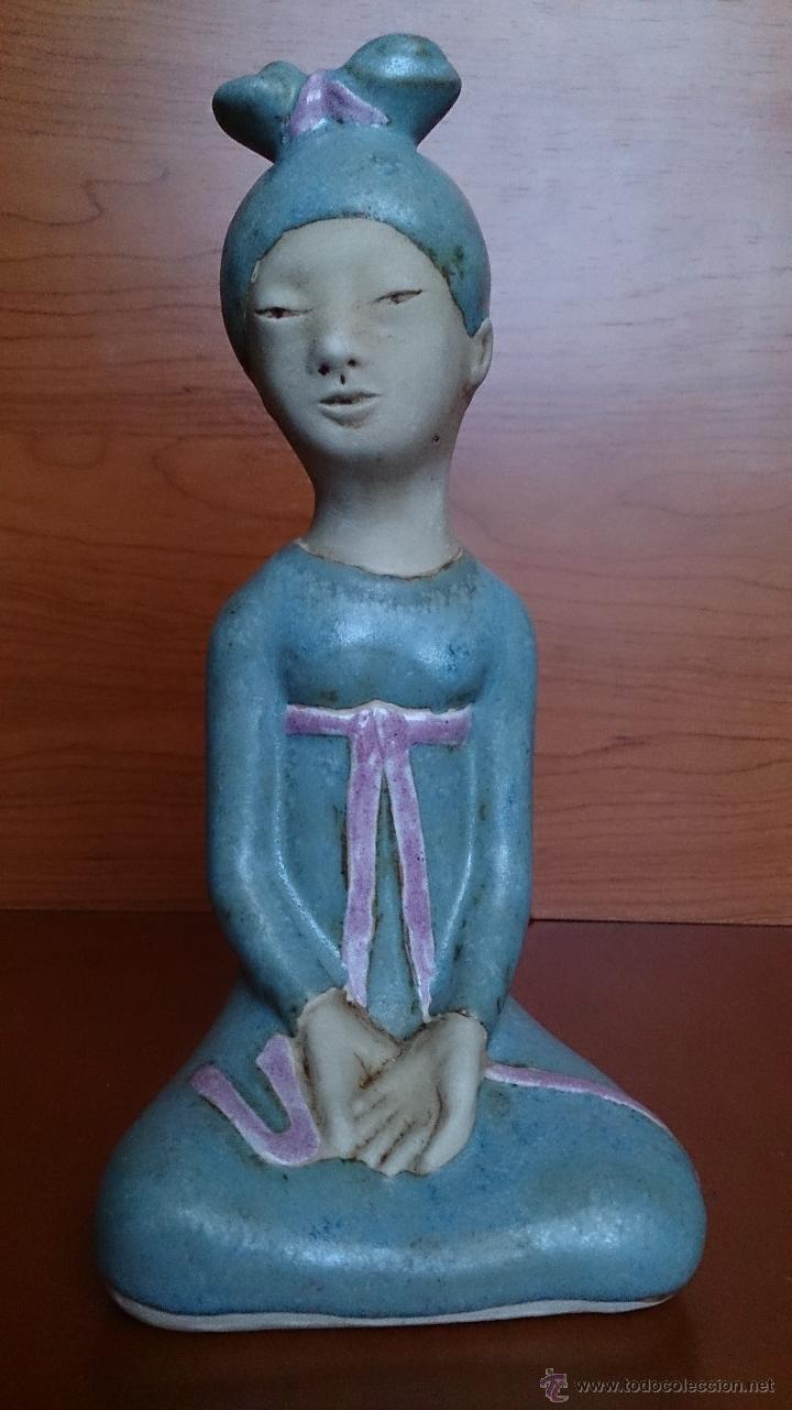 Antigüedades: Figura de Japonesa sentada en porcelna con acabados en gres, firmada y numerada de edicion limitada. - Foto 10 - 41237106