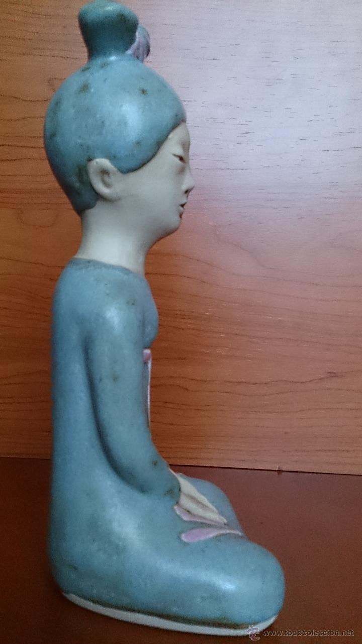 Antigüedades: Figura de Japonesa sentada en porcelna con acabados en gres, firmada y numerada de edicion limitada. - Foto 15 - 41237106