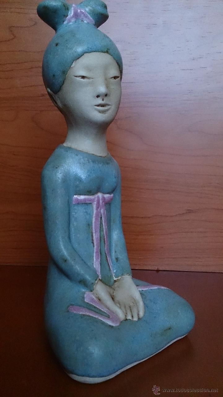Antigüedades: Figura de Japonesa sentada en porcelna con acabados en gres, firmada y numerada de edicion limitada. - Foto 17 - 41237106
