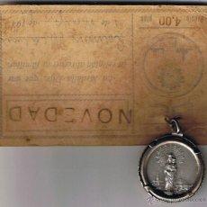Antigüedades: LA MEDALLA DIJE UNE LA RELIGIÓN AL RECUERDO FAMILIAR- Nº 2 - PLATA - 1940 - . Lote 41247420