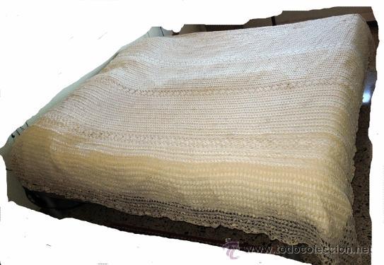 Antigüedades: COLCHA DE ENCAJE HILO REALIZADA MANUALMENTE A GANCHILLO PARA CAMA MATRIMONIO - Foto 5 - 41266626