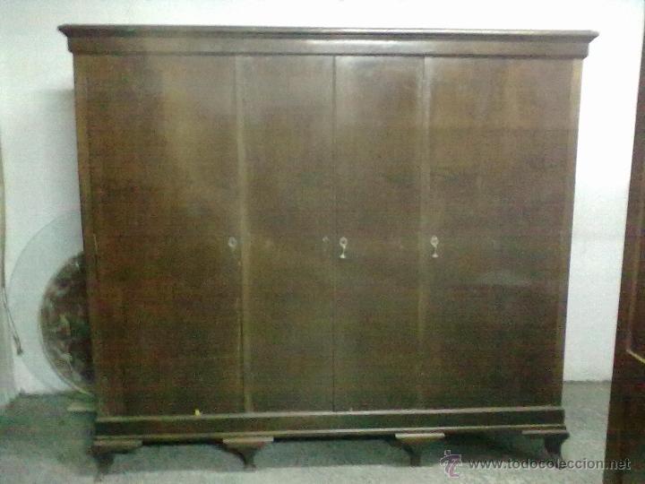 Armario de nogal cuatro puertas para restaurar comprar - Restaurar armarios antiguos ...