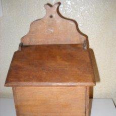 Antigüedades: GRAN MUEBLE DE MADERA PARA LA SAL. Lote 41293839