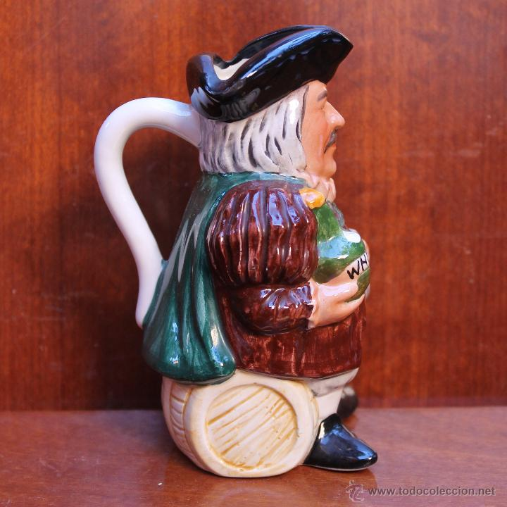 JARRA DE CERVEZA DE PORCELANA FINA INGLESA – NO TIENE MARCA EN LA BASE - PINTADA A MANO ALTO (Antigüedades - Porcelanas y Cerámicas - Inglesa, Bristol y Otros)
