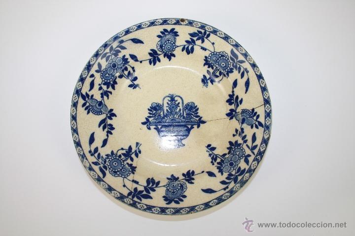 PLATO SOPERO DE LOZA INGLESA (?) FINALES S. XIX, DECORACIÓN FLORAL EN AZUL COBALTO (Antigüedades - Porcelanas y Cerámicas - San Juan de Aznalfarache)
