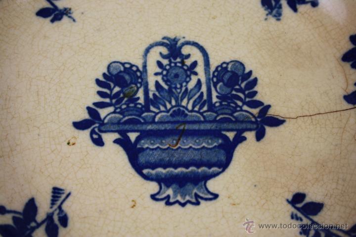 Antigüedades: PLATO SOPERO DE LOZA INGLESA (?) FINALES S. XIX, DECORACIÓN FLORAL EN AZUL COBALTO - Foto 2 - 41298029